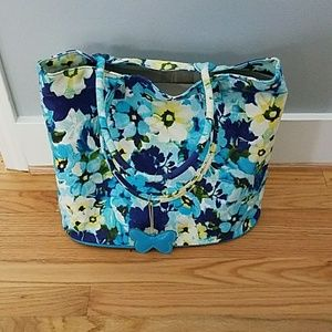 5 for $25👙NWOT Floral Pattern Tote